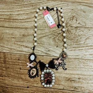 Betsey Johnson Quirky Vintage Pearl Necklace